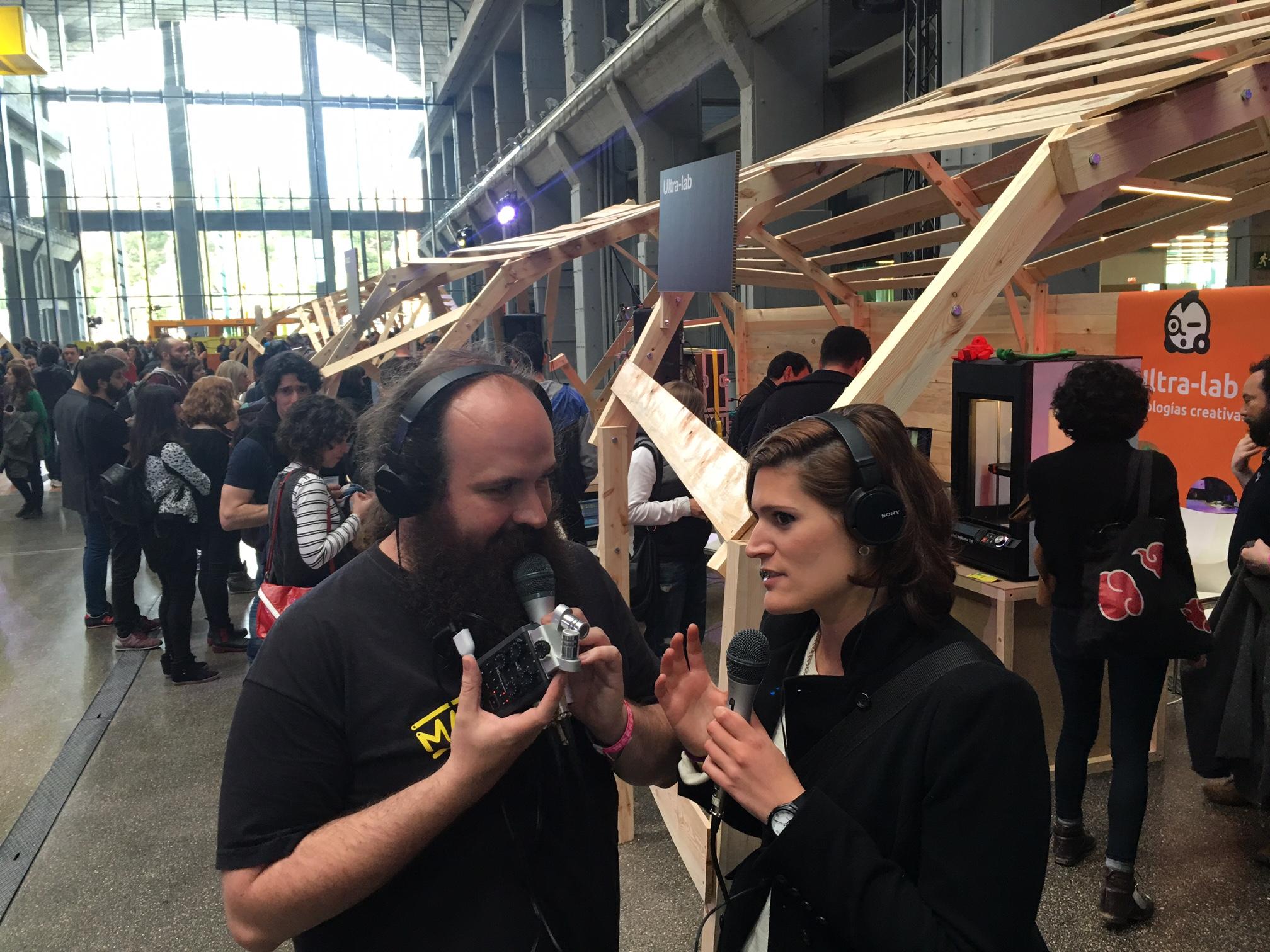Entrevistando a Mila de la ResidenciaCC durante el evento Impredible01 organizado por Sonar+D y COTEC