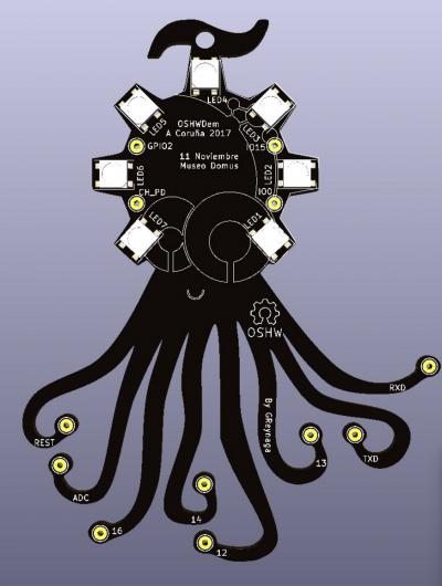 Placa con forma del logo de la OSHWDEM creada por Gustavo Reynaga